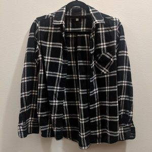 Uniqlo Plaid Button-Up Shirt